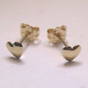 9ct gold small Flat Heart stud earrings
